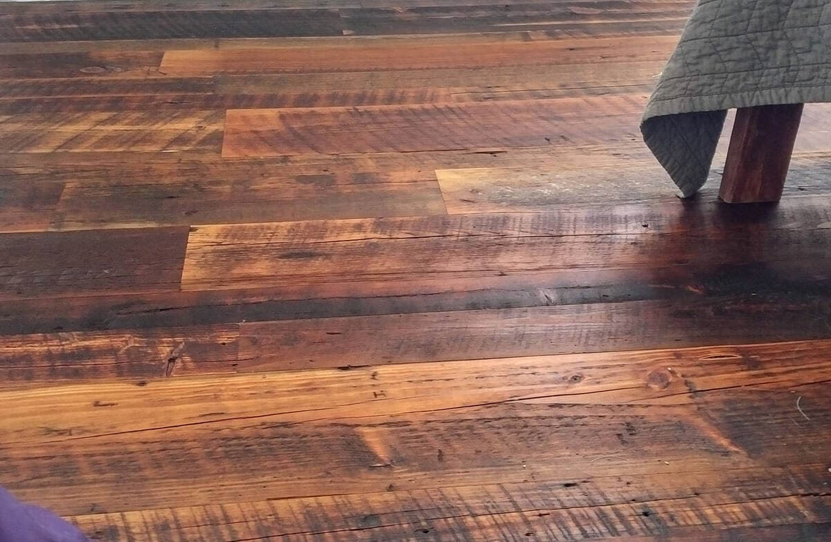 moderately sanded reclaimed heart pine character flooring