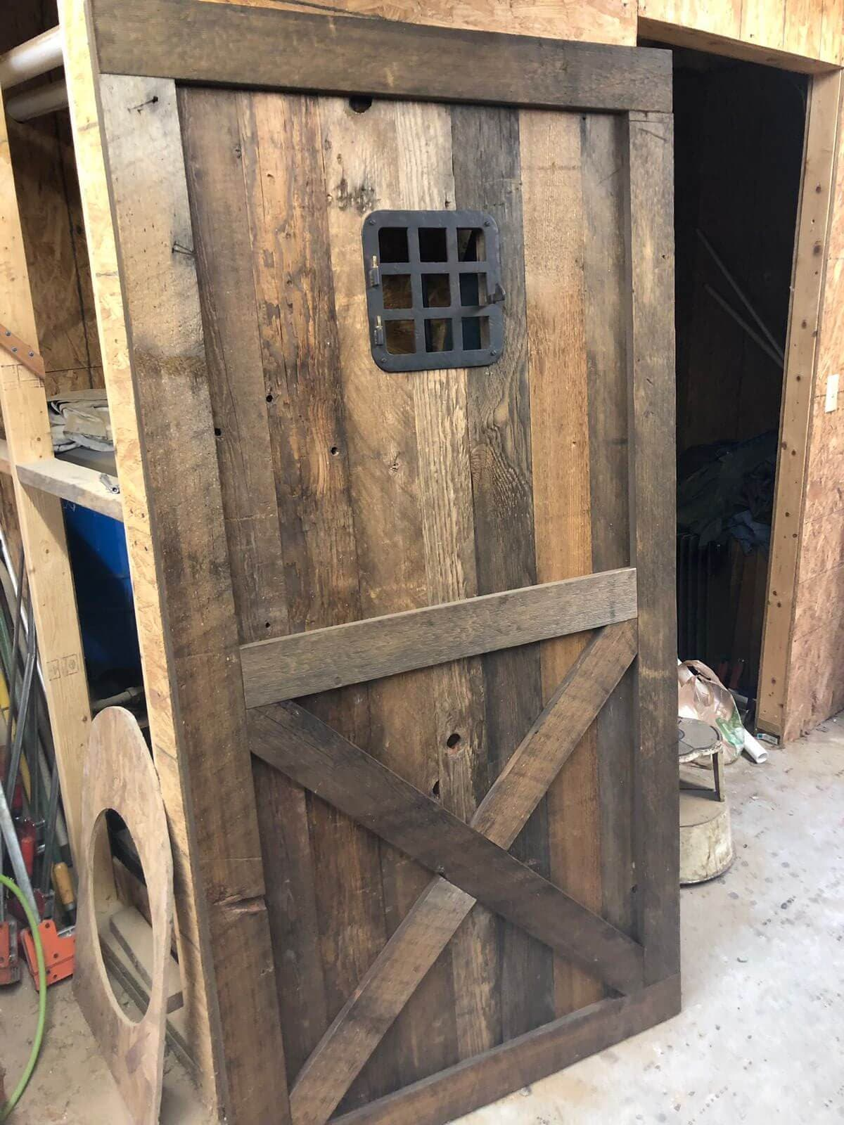 Rustic Georgia Pine Barn Door Grasse 1