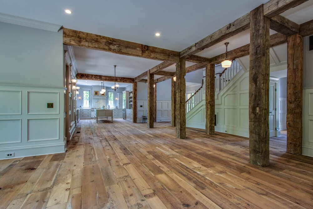 hand hewn beams and posts in Lewes, Delaware