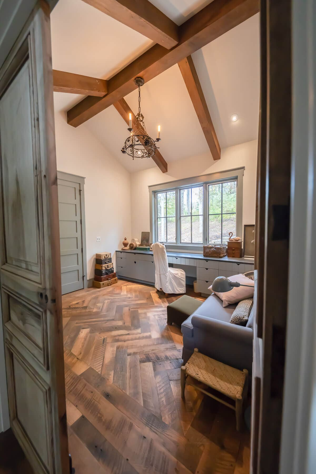 Patterned oak flooring in Grand Highlands.