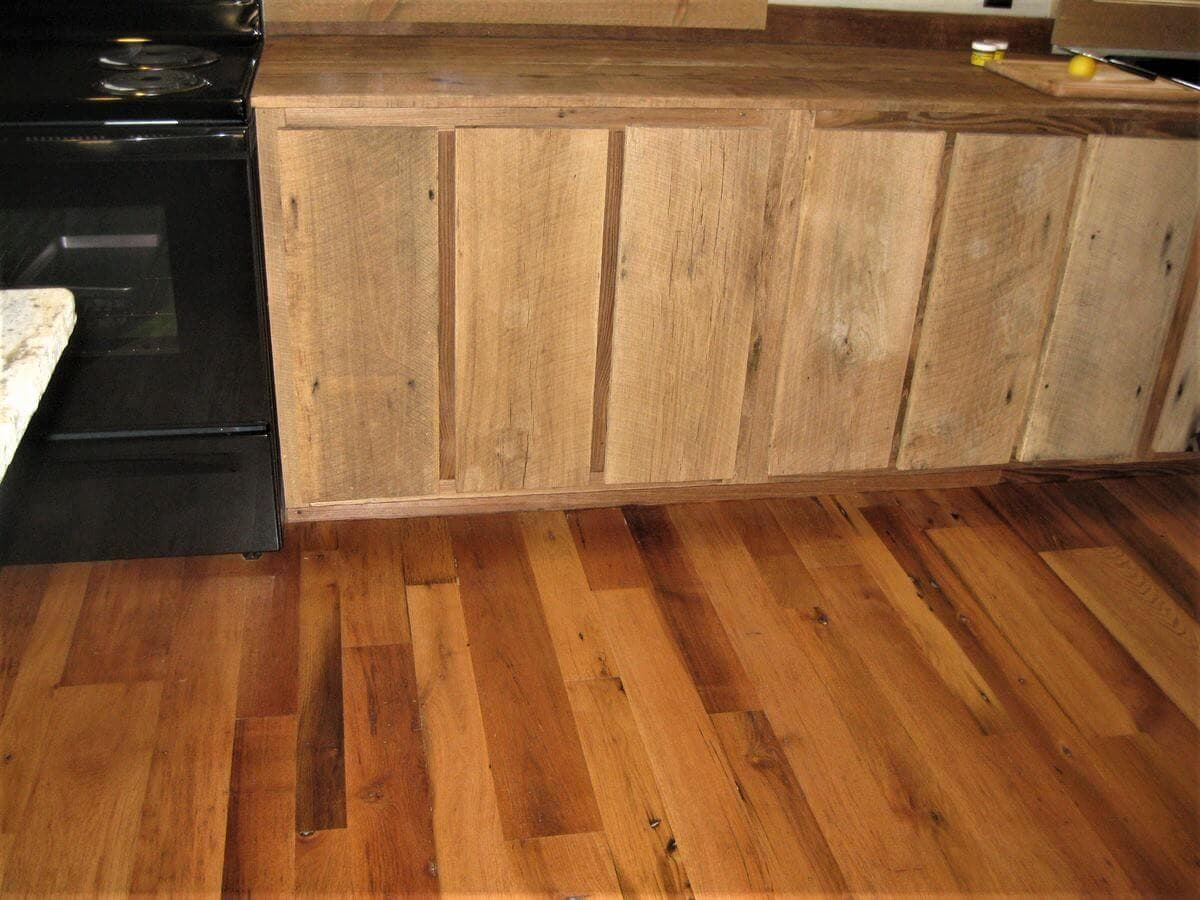 Reclaimed oak flooring and cabinets in Hendersonville North Carolina.