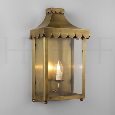 WL22 Scallop Edge Wall Lantern Antique Brass S