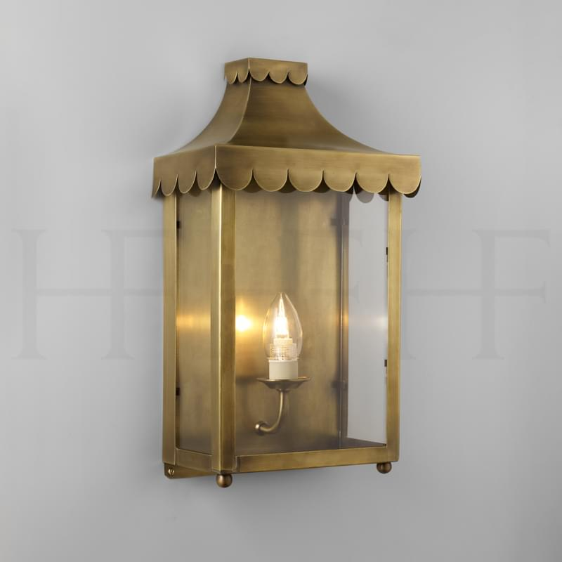 WL22 Scallop Edge Wall Lantern Antique Brass L