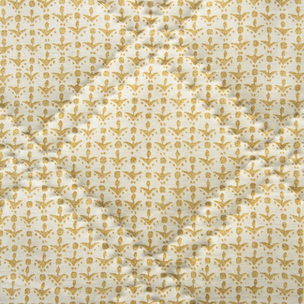 BCP1015 v1 – Cupid in faded yellow bedcover