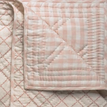 Trellis in pale pink bedcover