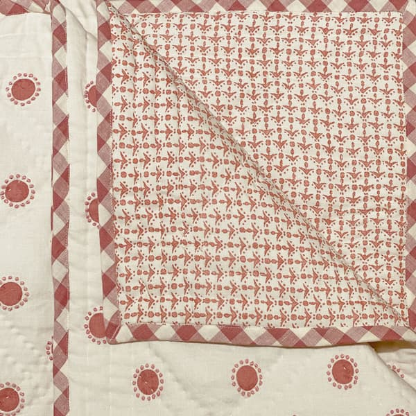 BCP3406 P – Dots in pink with french knots in pink bedcover