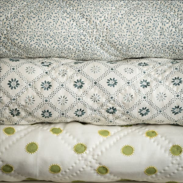 Chelsea Textiles Emporium Small Prints Bedcover 03 – Dots in lime with sun in lime/gold bedcover