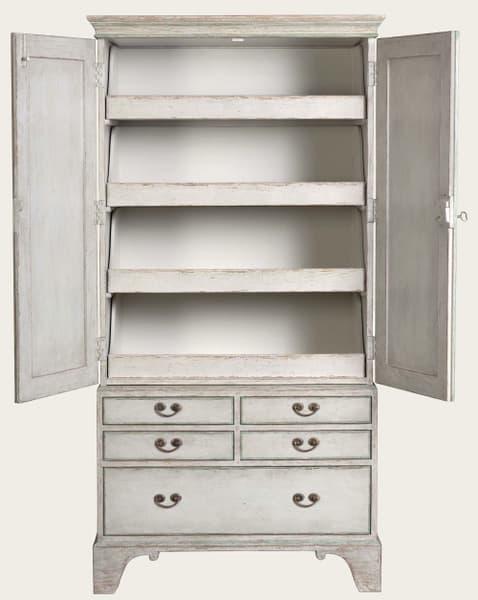 Eng141 38O 2 – Linen cupboard