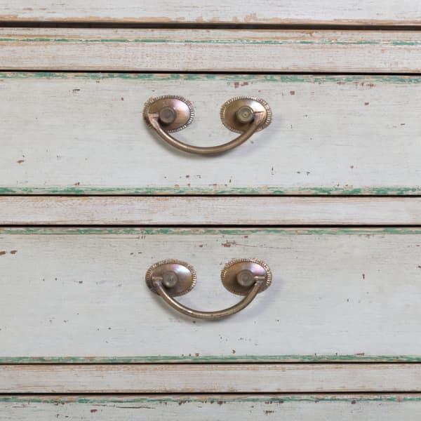 Eng141 5 D2 – Linen cupboard