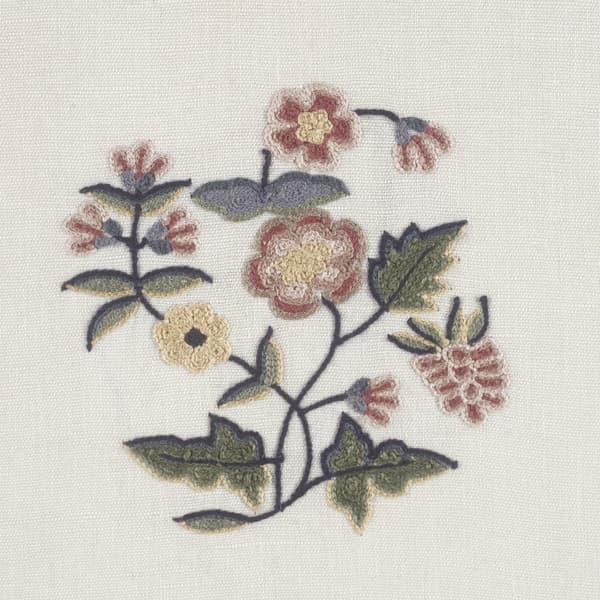 F062 Detail – Primrose & carnation