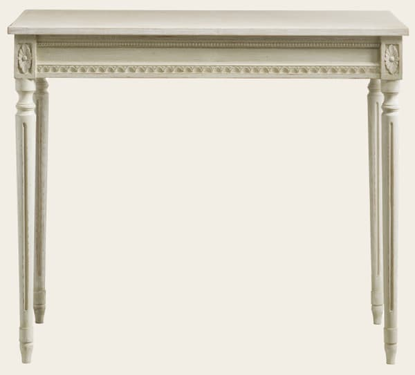 GUS102 5 – Table with carving