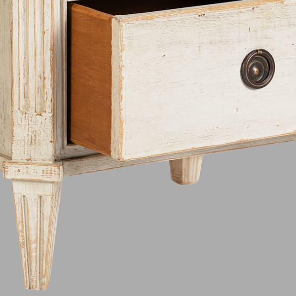 Gus 036 08 03 – Bedside table with three drawers