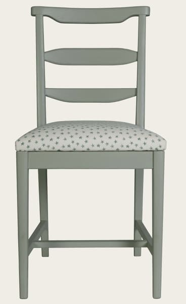 Mid013 J 17 – Junior chair with square back