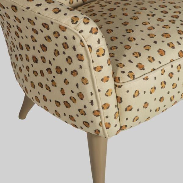 Mid026 12 D Snuggles – Armchair