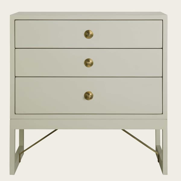 Mid057 B 11 – Bedside table with round pulls