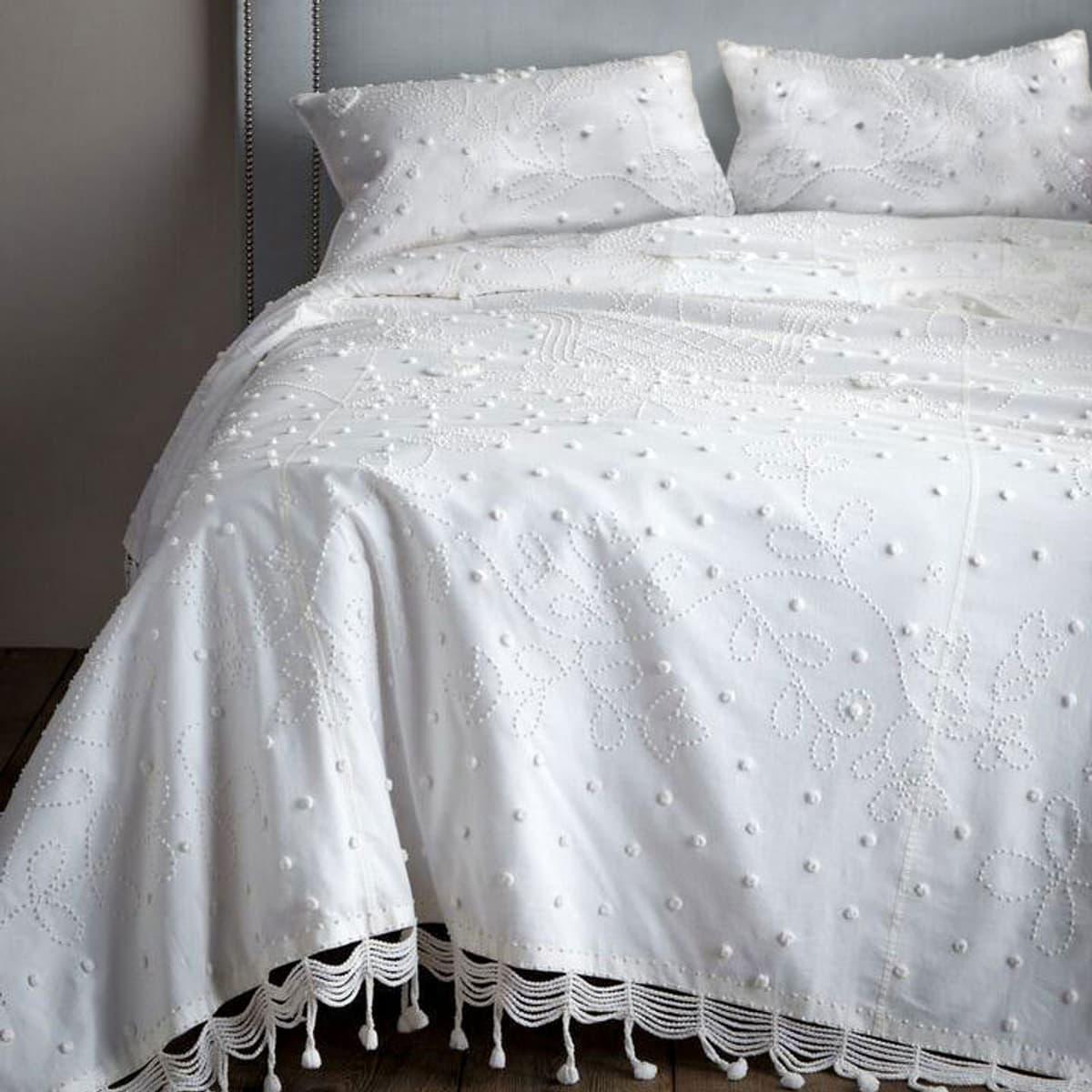 Pom Pom Bedcover