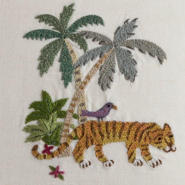 C781 D1 – Hidden tiger