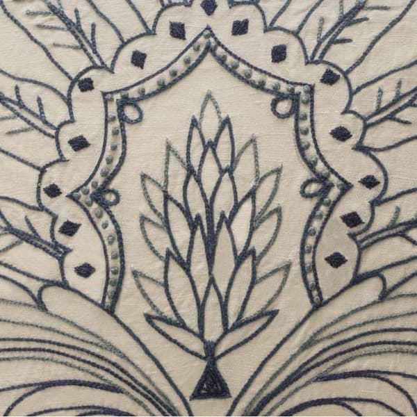C480 Cropped – Acanthus leaf crewelwork