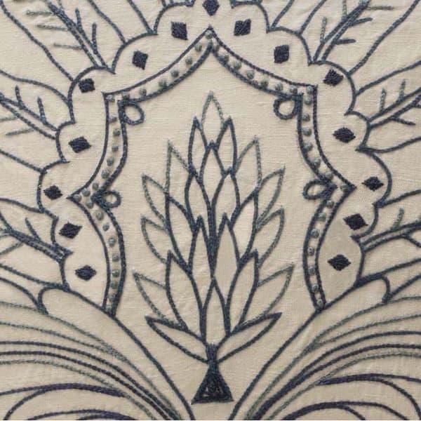C480Cropped – Acanthus leaf crewelwork