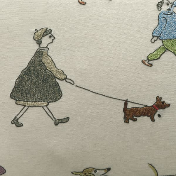 C710 – Walking the dog