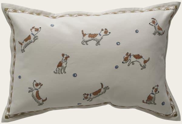 Cd727 – Terriers chasing balls