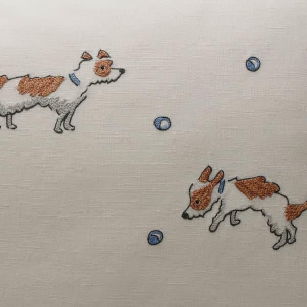 Cd727 Detail – Terriers chasing balls