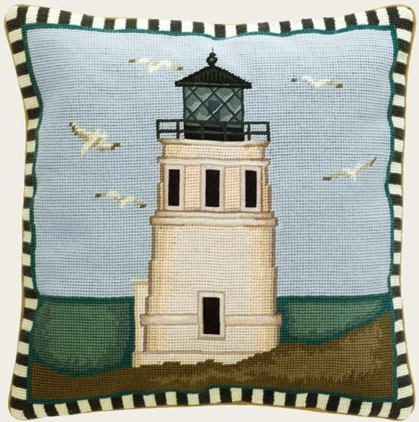 N7625 – Lighthouse with seagulls