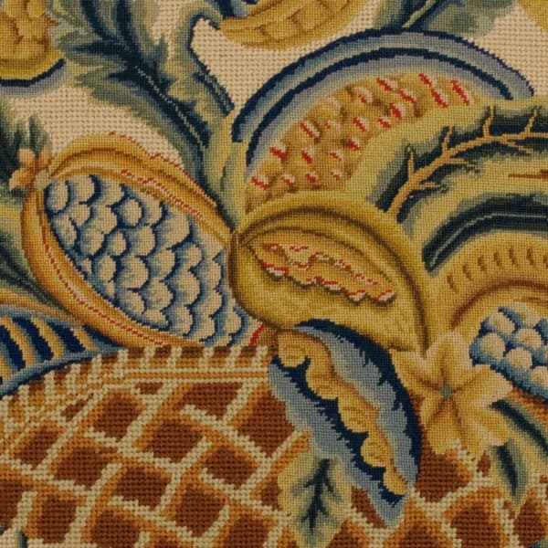 N8184 1 – Basket of fruit & foliage