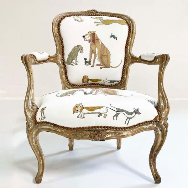 Dogs socialising chelsea textiles domenica more gordon 02 – Dogs socialising