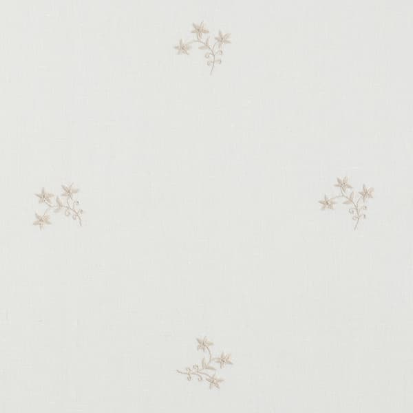 F361 BW Detail 1 – Wild Flower