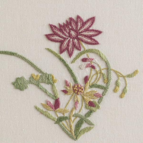 F462 R V2 – Dianthus and Dhalia sprig