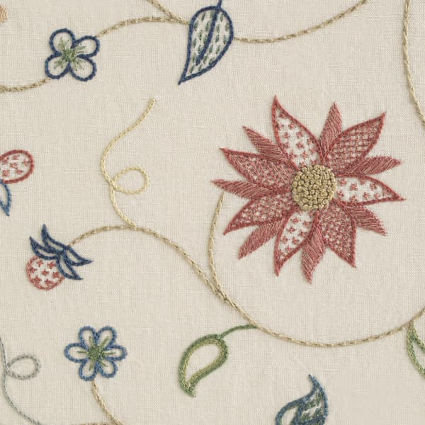 F491 V3 – American Crewelwork