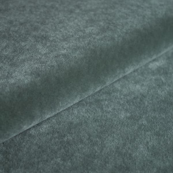 FVM100 03 – Mohair velvet in mist
