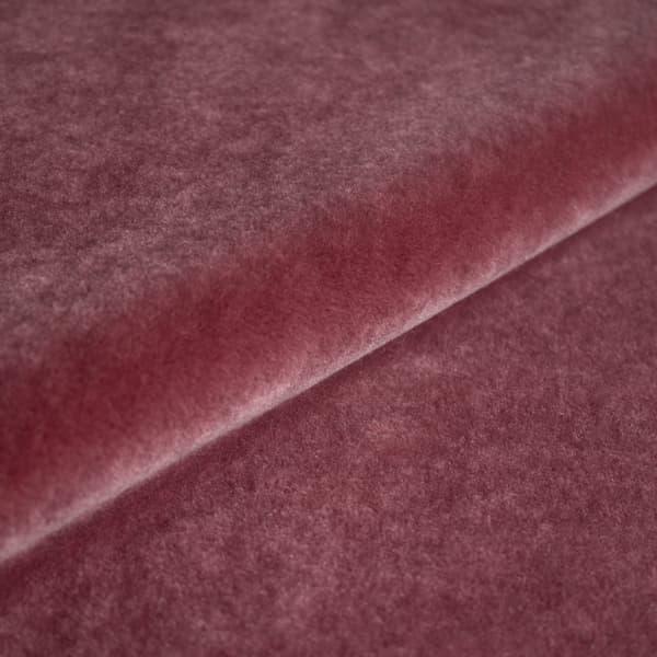 FVM100 04 – Mohair Velvet in amaranth