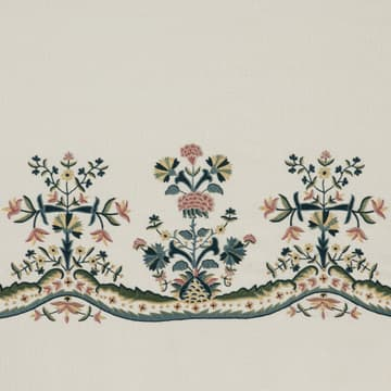 Primrose and carnation elaborate border
