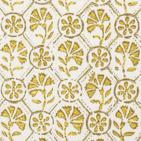 Fp1104 Detail – Carnation in gold