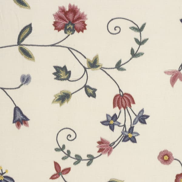 F112 Detail Copy 8 – Carnation & cornflower vine