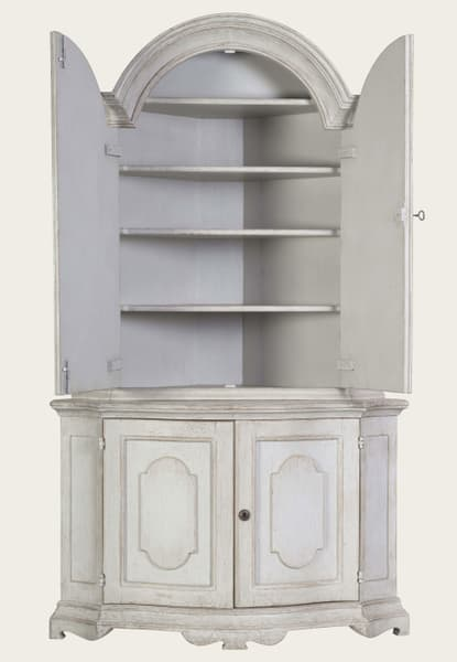 Eng142 8O1 – Corner cupboard