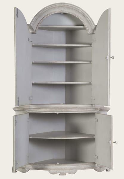 Eng142 8O2 – Corner cupboard