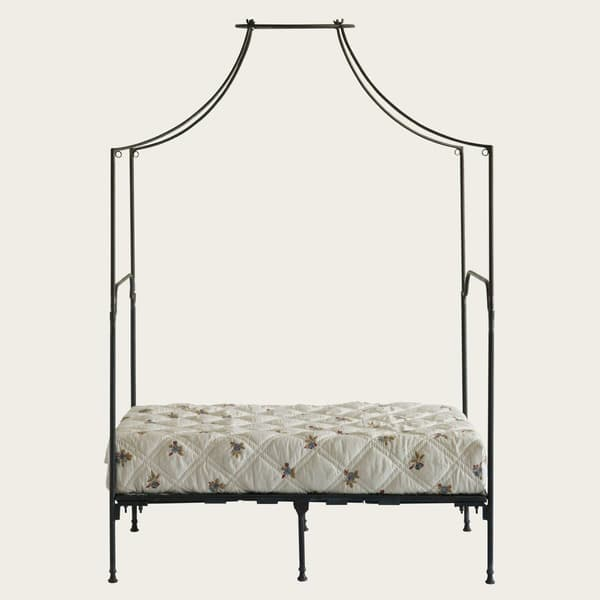 Pro170 – Provence four poster bed with metal frame