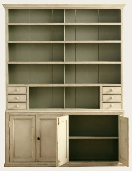 Eng150 38O1 – Narrow dresser