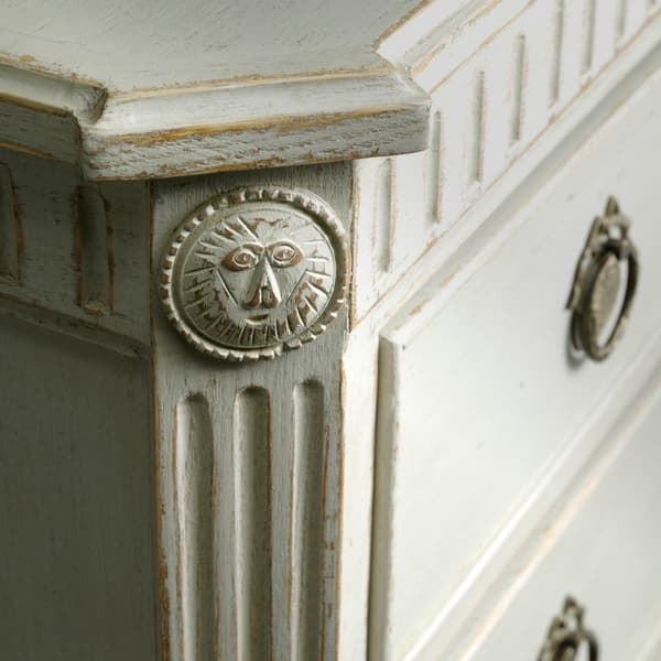 Krdq4Yq8Ix8Kvvn0Txjg2Gui0Csoela53 Lr6Gcebuu 1 – Bedside table with fluted carving