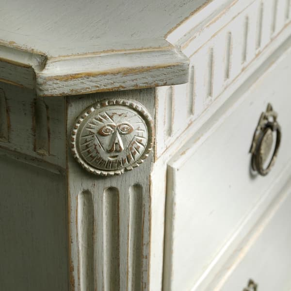 Krdq4Yq8Ix8Kvvn0Txjg2Gui0Csoela53 Lr6Gcebuu 2 – Commode with fluted carving