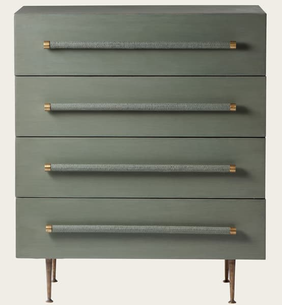 Mid046 13 – Chest of drawers with wicker handles