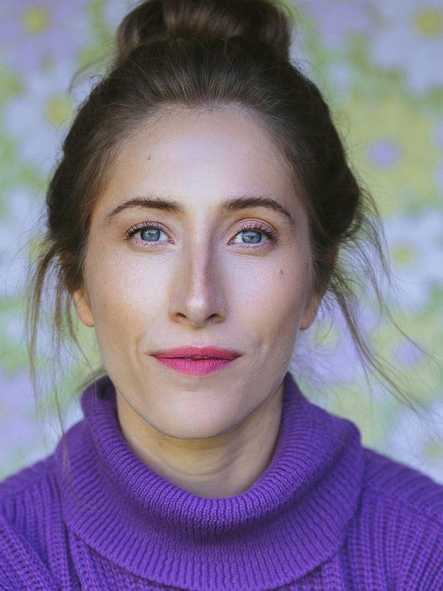 Lauren headshot