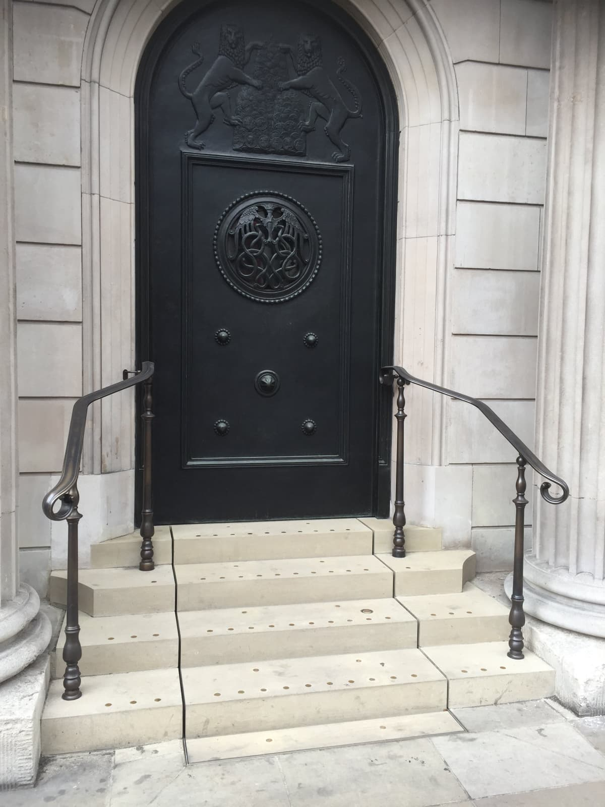 Bank of England Access Lift