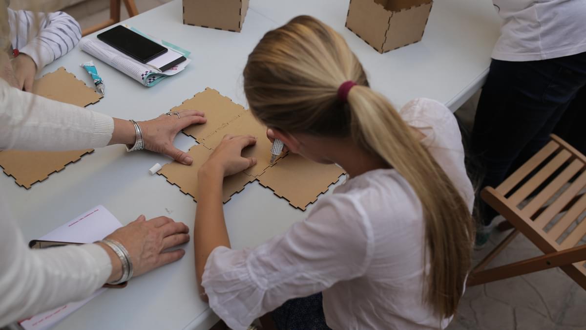 Tashkeel Youth Cardboard Workshop DXBDW2020 3
