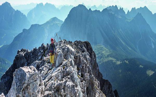 141 Spectacular 360 Degree Views Await On The Summit Ridge Of Monte Chiadenis