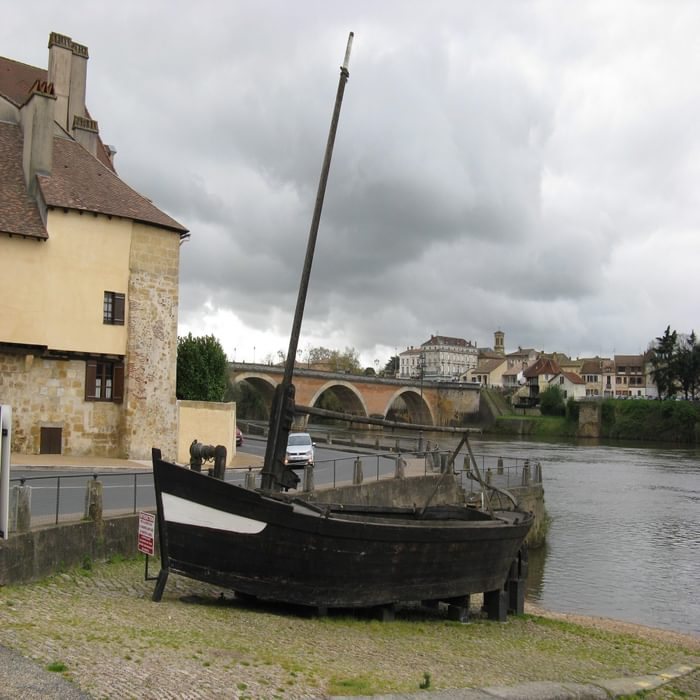A courau boat at the Vieux Port, Bergerac