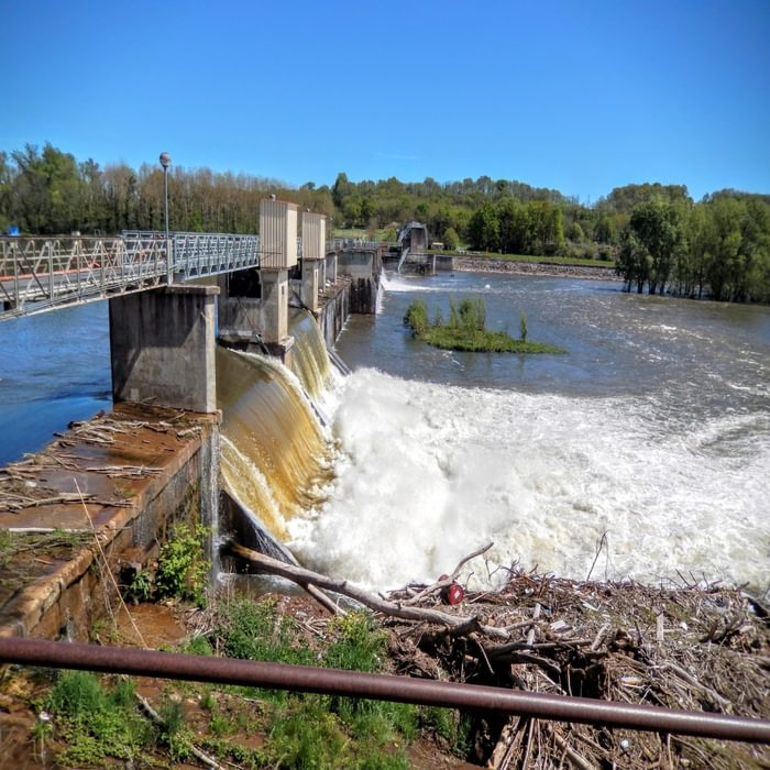 Dam at the Gratusse rapids